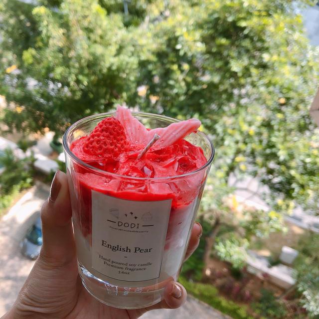 strawberry milk candle