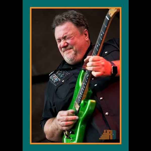 Big Mo green guitar.png