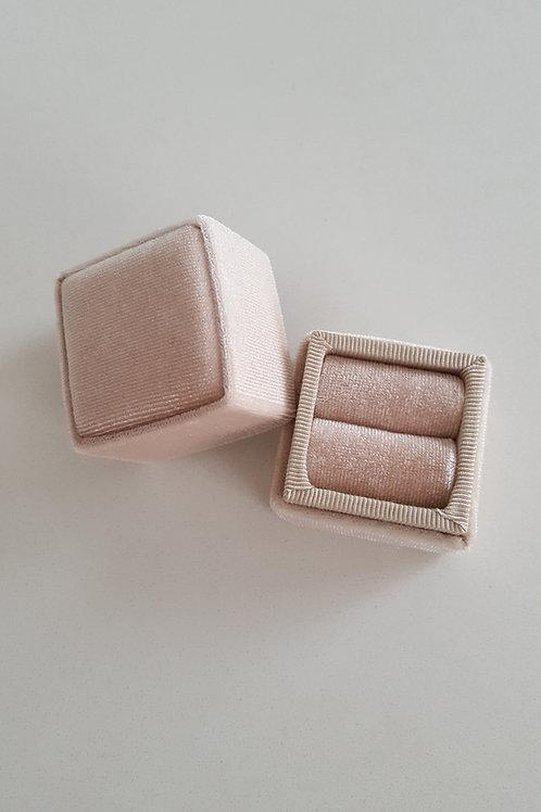 Heirloom Champagne Velvet Ring Box