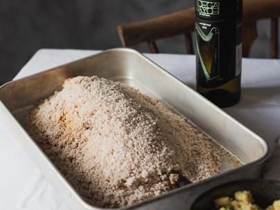 Robalo ao sal com esmagada de batata