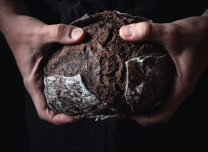 HOMEMADE CAROB AND WALNUT BREAD