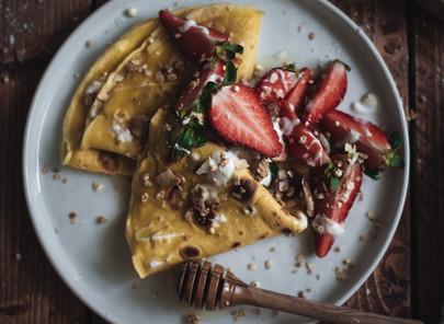 COCONUT FLOUR CREPES WITH FRESH STRAWBERRIES