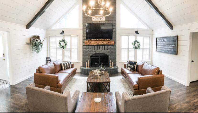 Magnolia Pines: Living Room