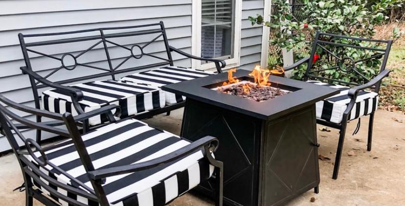 Outdoor Living & Firepit