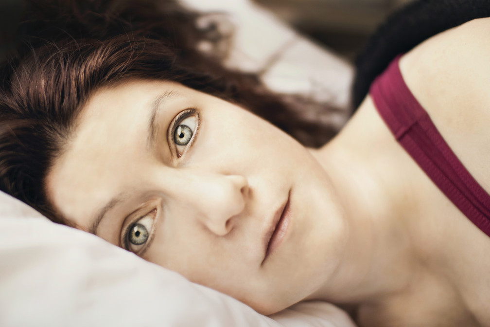 How To Deal With Thyroid-Related Sleep Issues Naturally