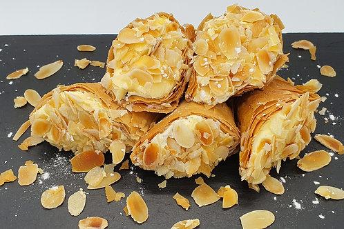TRIGONA PANORAMATOS - Phyllo triangle pastry with vanilla cream 5pcs