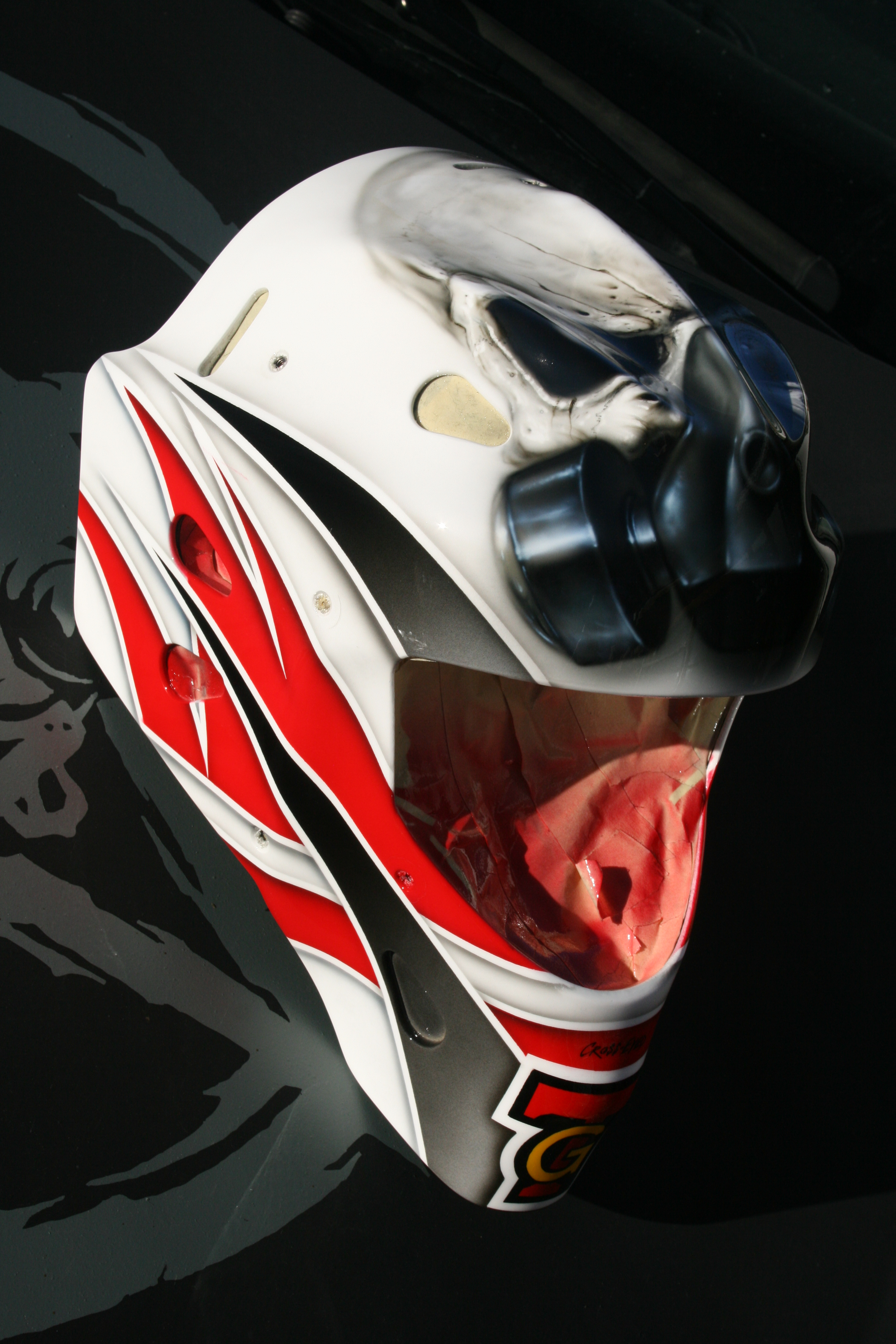 Gasmask Skull 1