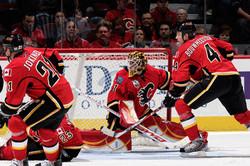 Curtis McElhinney  Calgary Flames 04