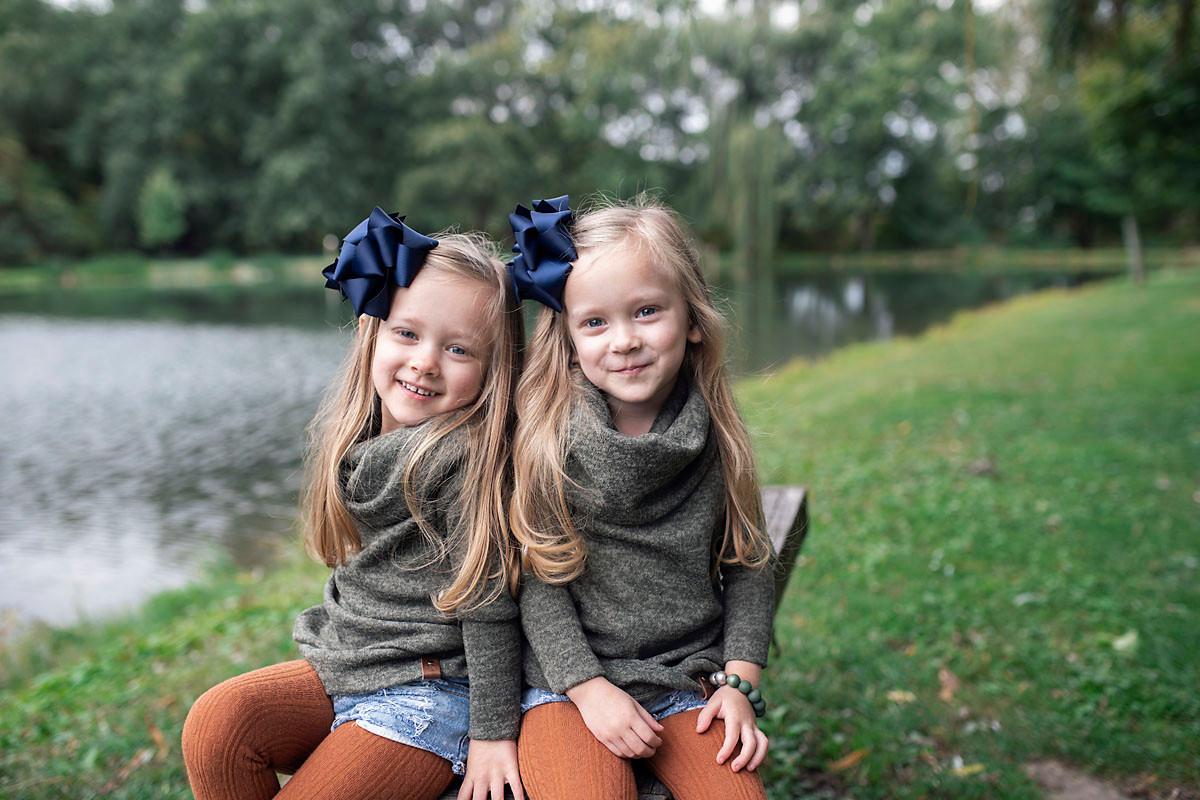 twin girls family lockport