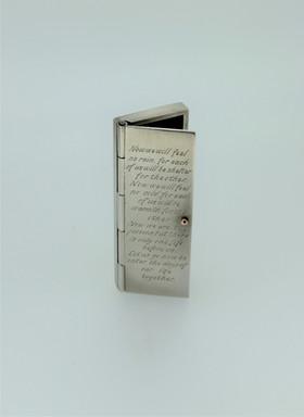 Silver confetti box