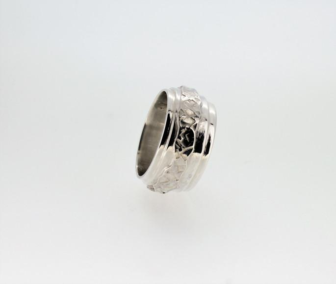 Vina Gilham. Silver layer ring