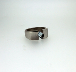 18ct gold and topaz