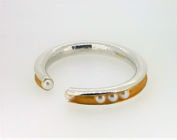 Bangle, silver, gold plate and pearl