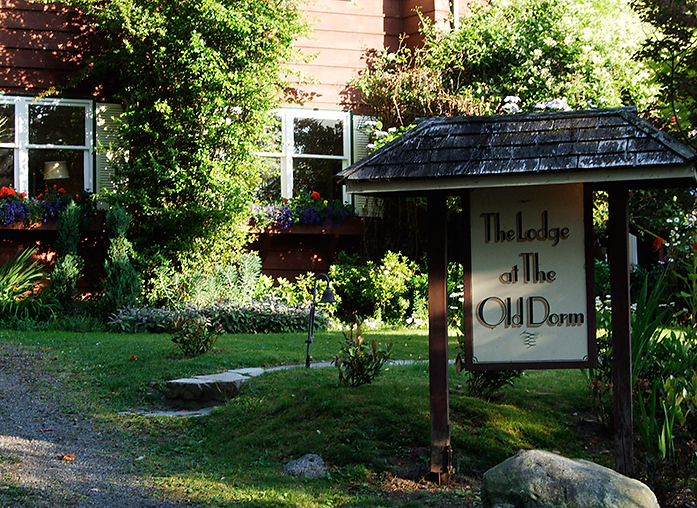 Small Vancouver Retreats Island style on Bowen Island | The Lodge at the Old Dorm
