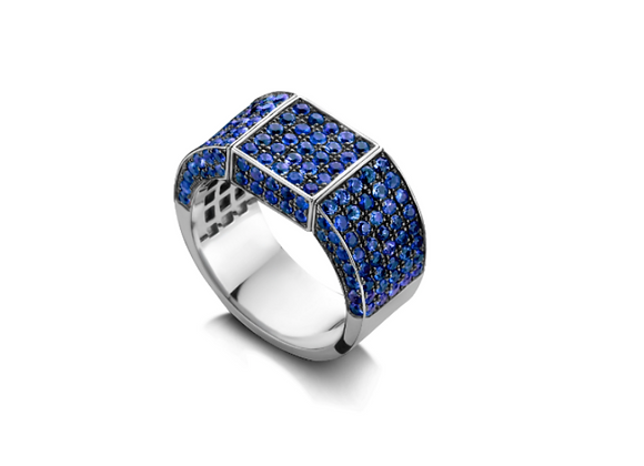 BARE Blue Sapphires Signet Ring front view.