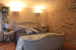 Lit double chambre bleue charme