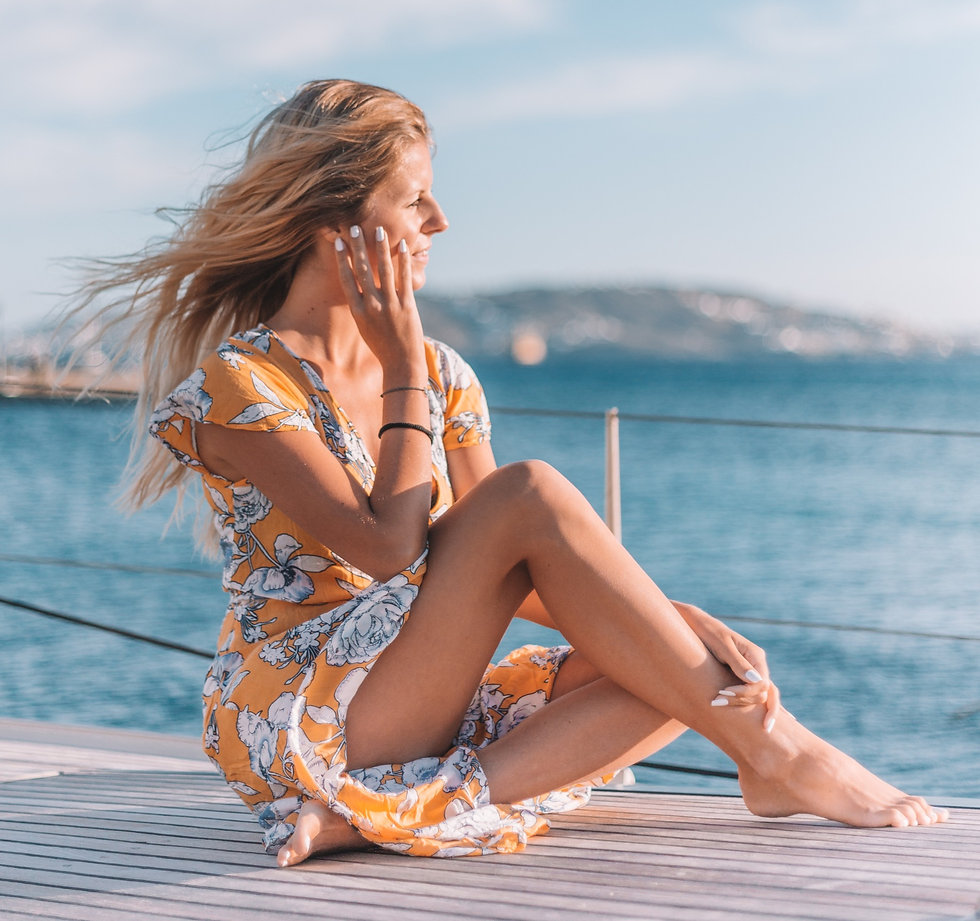 "<img src=""aiolisexperience.png"" alt=""A girl on the deck of a sailing boat"">"