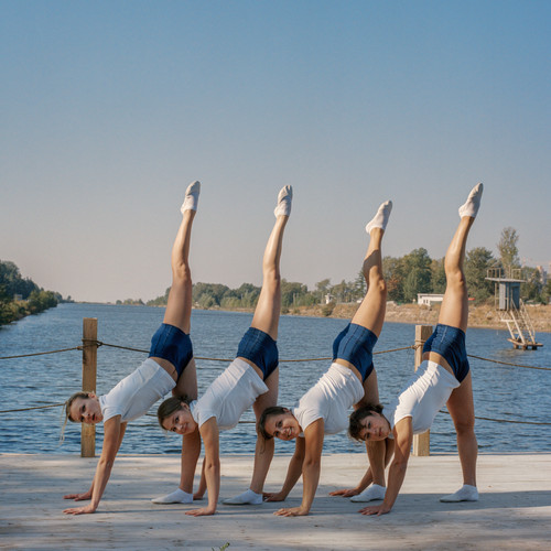 Gymnasts on Grebnoy Canal. St. Petersburg | Phiscultura | 2006