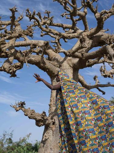 Beyond the border – A journey to Touba | Maïmouna Guerresi | 2020