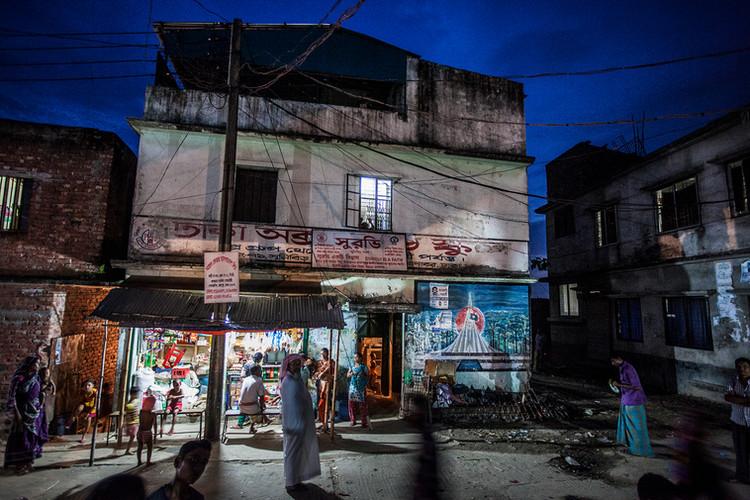 哈吉拉和孩子们所住的孤儿院是租来的房子,位于孟加拉国的达卡。   沙希杜尔·阿拉姆   2014
