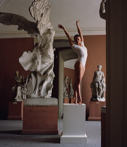 Gymnast and Victoria Samothrace  at the Art Academy (2). St. Petersburg | Phiscultura | 2008