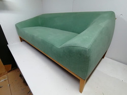 Linara Shamrock sofa