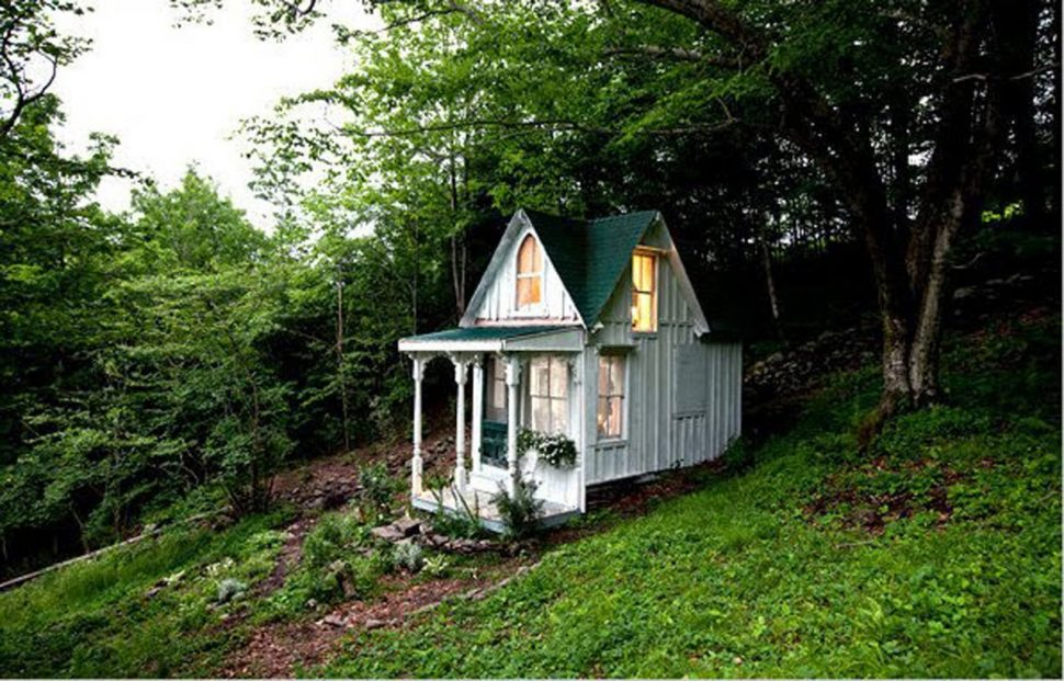 coolest-cabins-victorian-tiny-house-whit