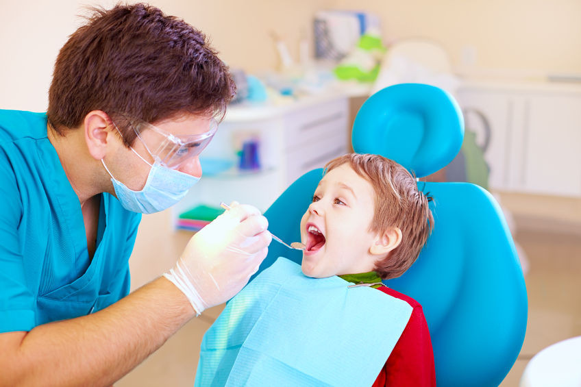 Child first dental visit - oral hygiene