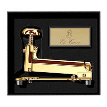 stapler-desk-m-15---gold_1_.jpg