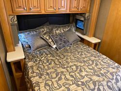 Queensize Bed.