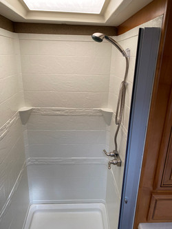 Duschkabin bakre badrum.
