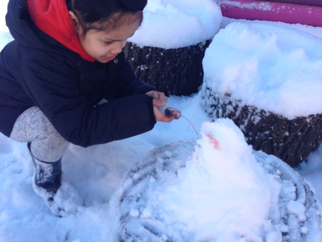 Nursery have Colourful Fun in the Snow