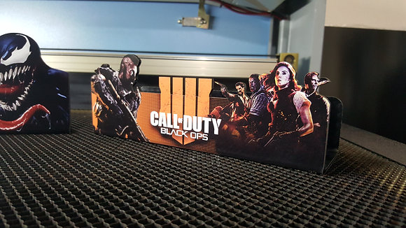 Suporte Vertical PS4/XBOX ONE COD BLACK OPS 4