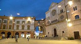 Foligno-Piazza-della-Repubblica.jpg