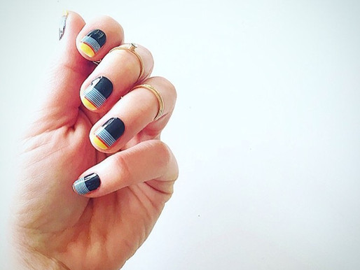 #MANIMONDAY - Design your own nail wraps!