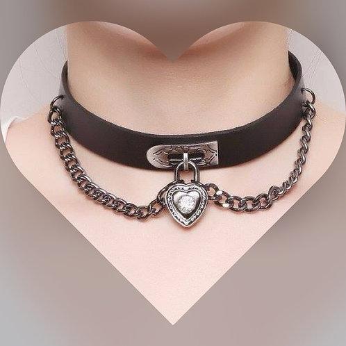 Heart & Chain Choker