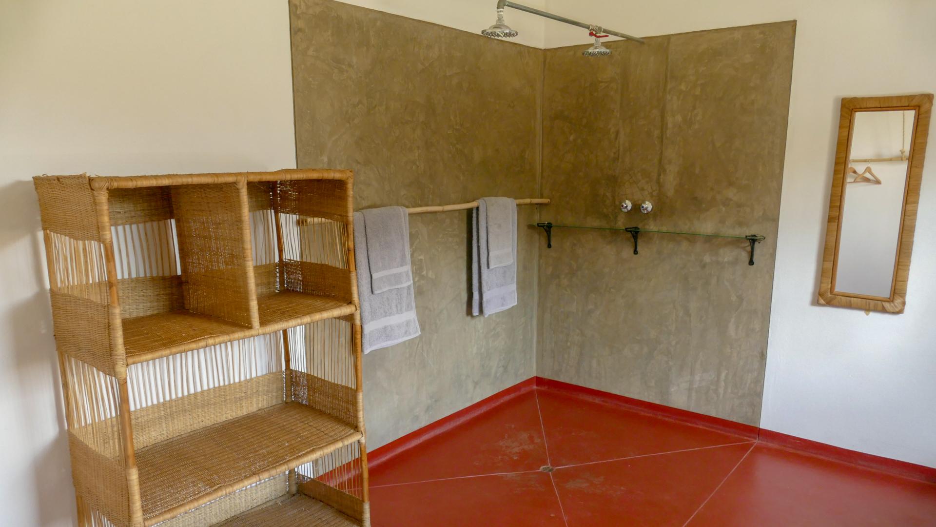 Suite Double Shower Rooms