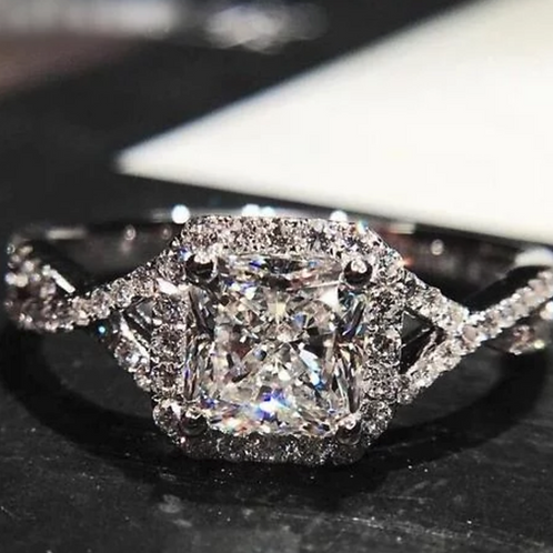 Engagement Ring, 4(c.t.t.w.) White Sapphire