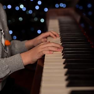 Piano Logon and Summer