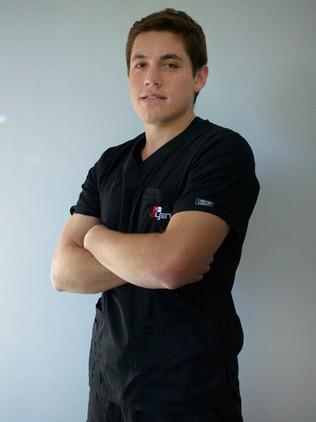 Dr. Diego León