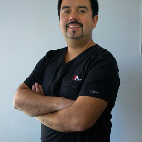 Dr. Víctor Daza A.