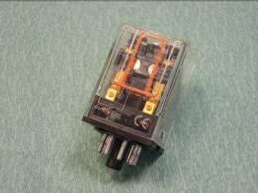 Реле «OMRON» MK2P-I с установочной колодкой