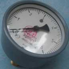 Манометр МП3-У-6 кгс/см2х1,5, осевой, без фланца