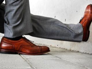 Коричневые ботинки? Возможно – ошибка.