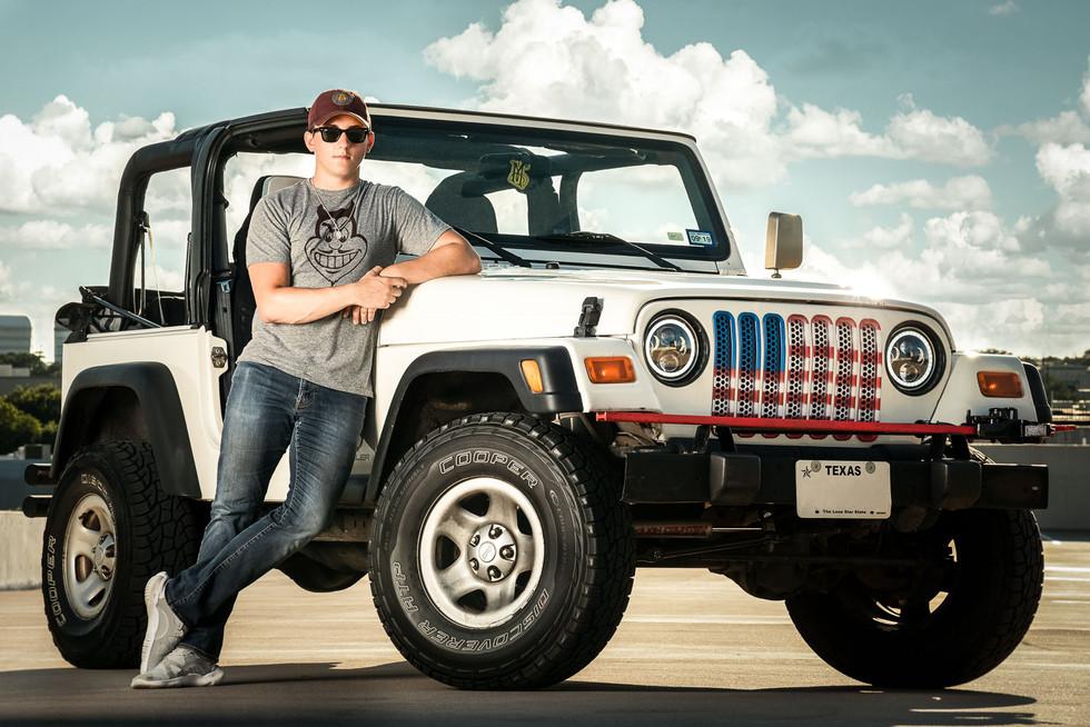 senior-boy-with-jeep.jpg