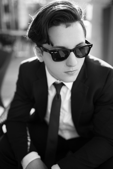 Senior-Portrait-boy-wearing-sunglasses.j