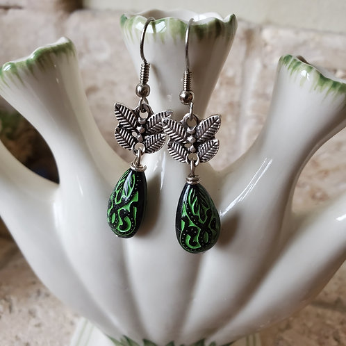 Green &Black Lucite Teardrop