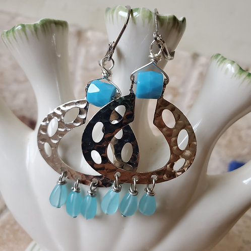 Silver hoop with turquoise glass