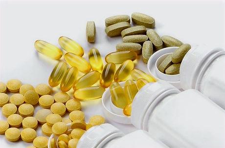 best-cbd-capsules-866536-759x500_edited.
