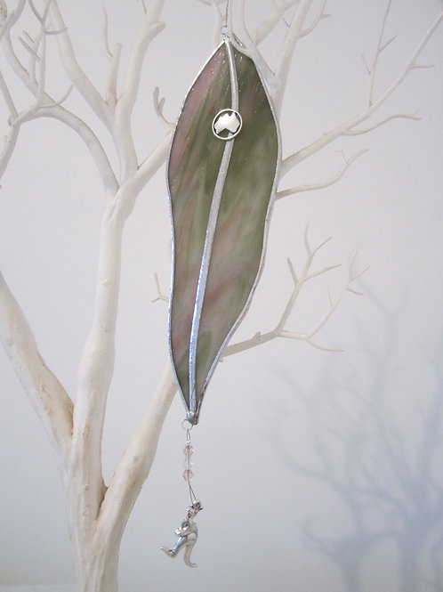 Australian Gum Leaf Sun Catcher stained glass / leadlight